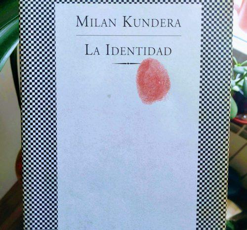 La identidad / Milan Kundera