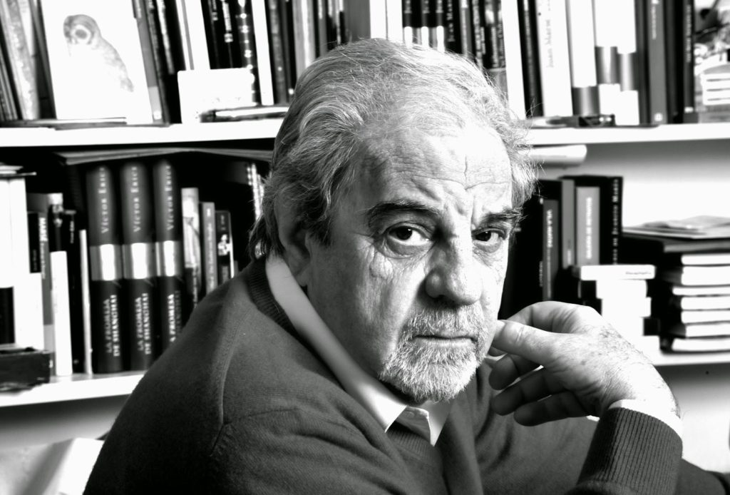 Juan Marsé entre libros