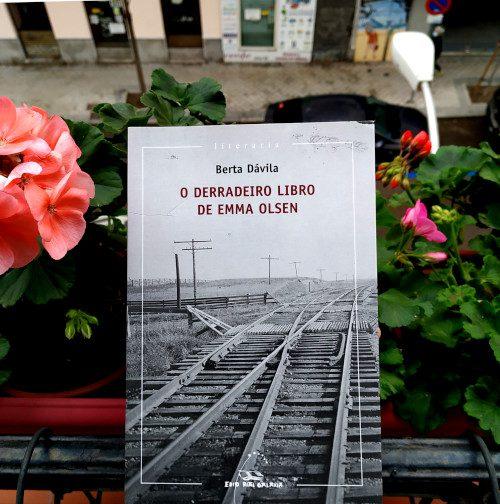 Portada de «O derradeiro libro de Emma Olsen», de Berta Dávila. Ed. Galaxia. 1ªed, 6ª reimpr (2020).