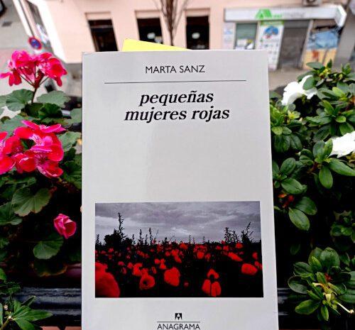 pequeñas mujeres rojas / Marta Sanz